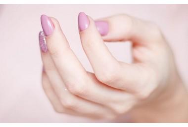 Isdin si-nails: più idratazione e protezione per le tue unghie day by day